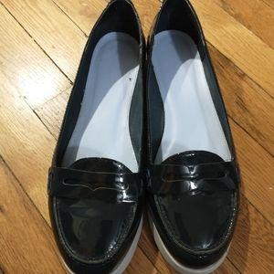 Boden dark blue patent loafer sz 42